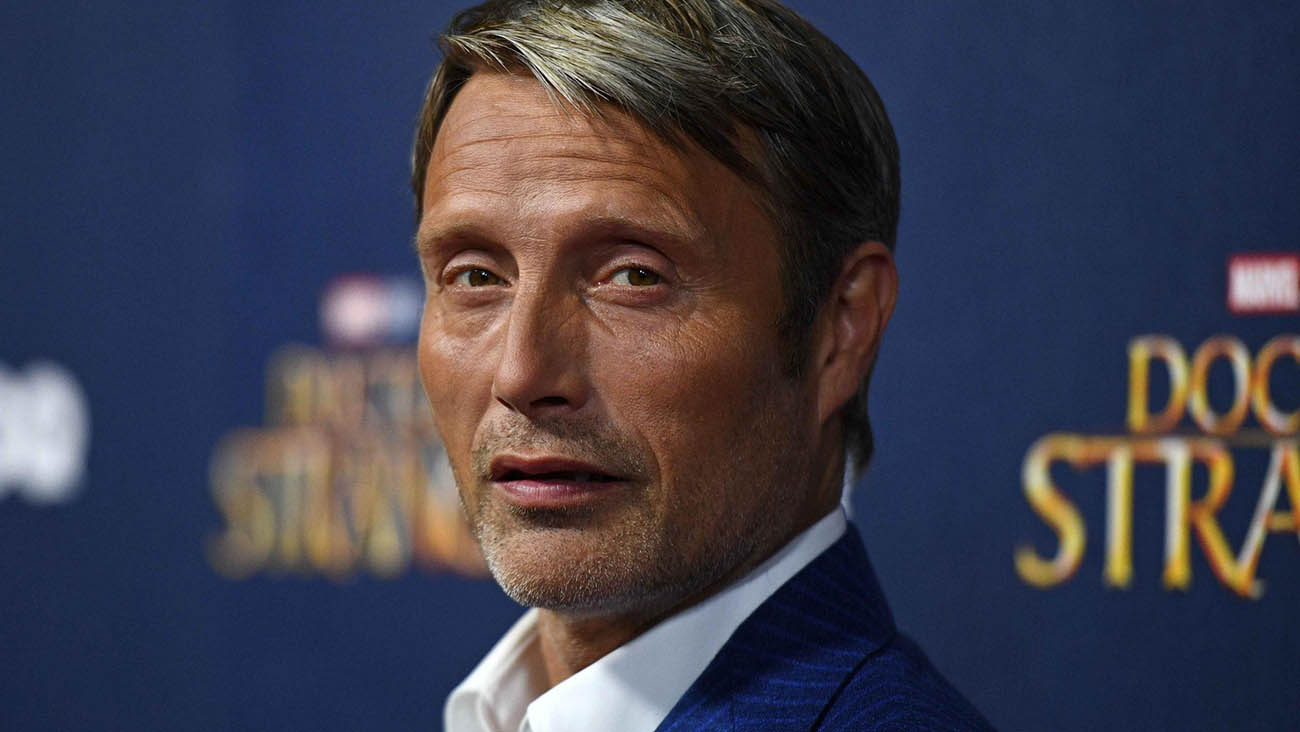 Mads Mikkelsen parla del suo Grindelwald e dell'addio di Johnny Depp thumbnail