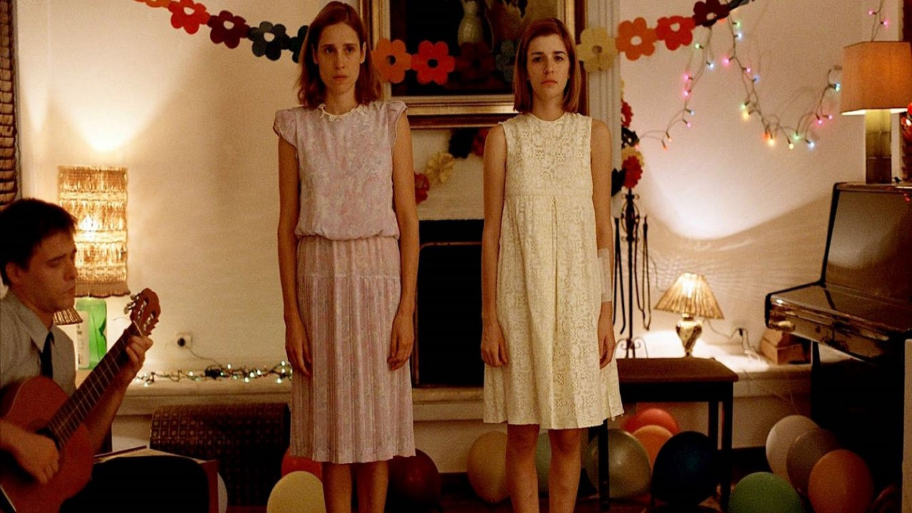 Dogtooth arriva finalmente in Italia in Home Video thumbnail