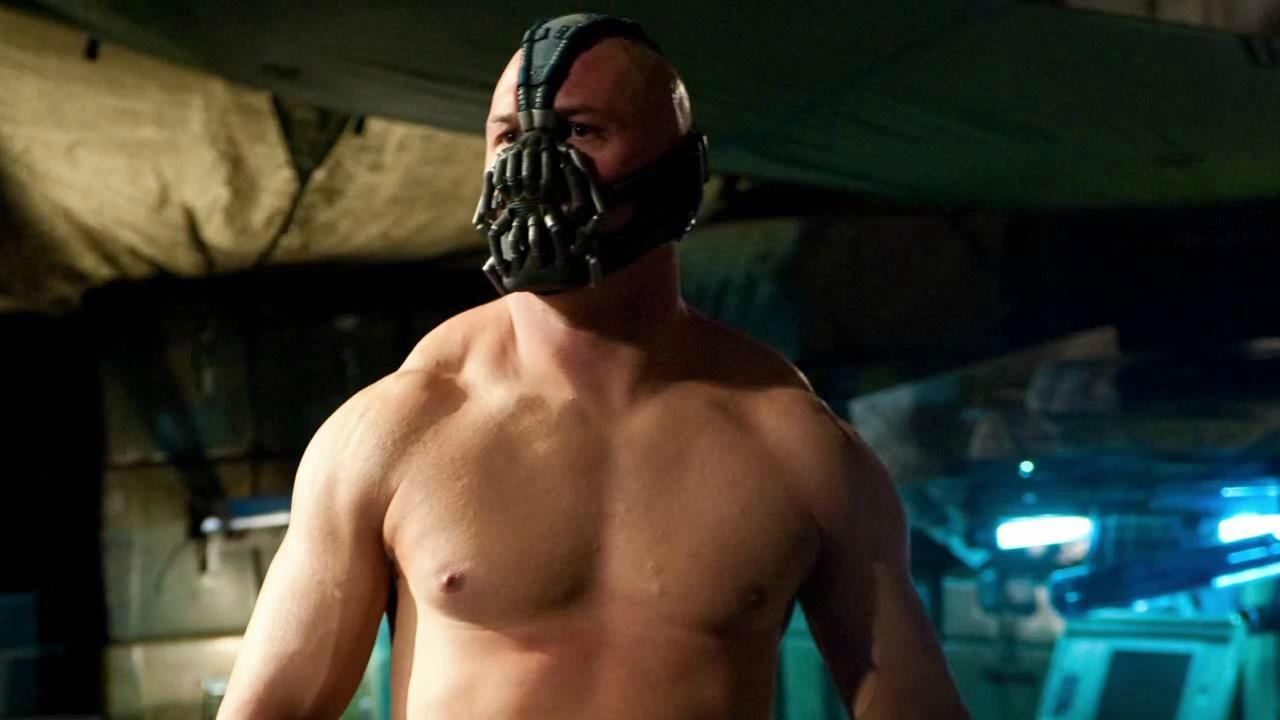 Il Bane di Tom Hardy era ispirato a Nolan stesso thumbnail