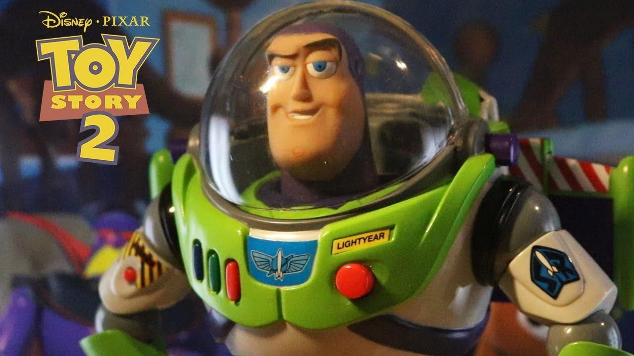 Perché Buzz Lightyear si comporta come un giocattolo? La risposta di Pete Docter thumbnail