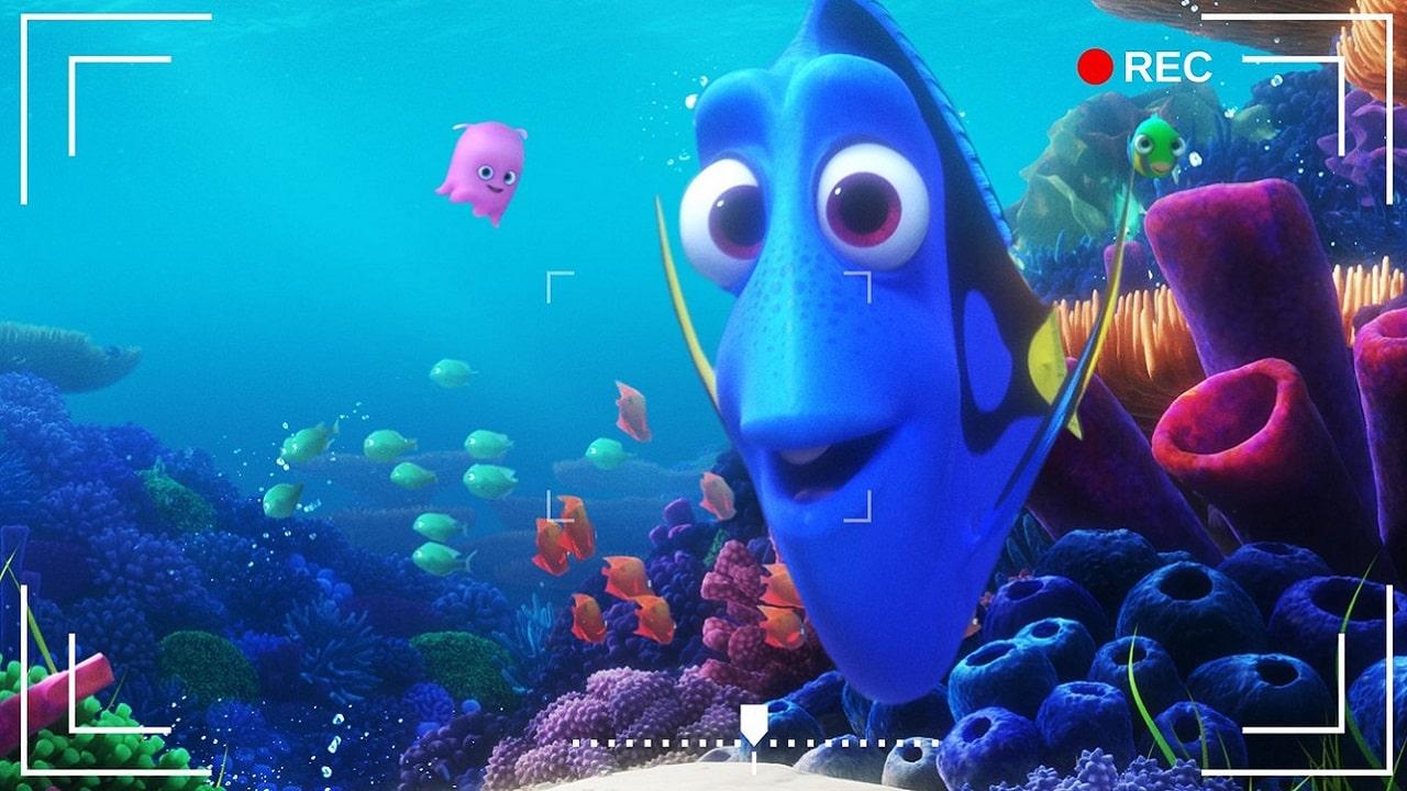 """Disney+ regala un acquario con Nemo e Dory (che sta """"zitta e nuota"""") thumbnail"""