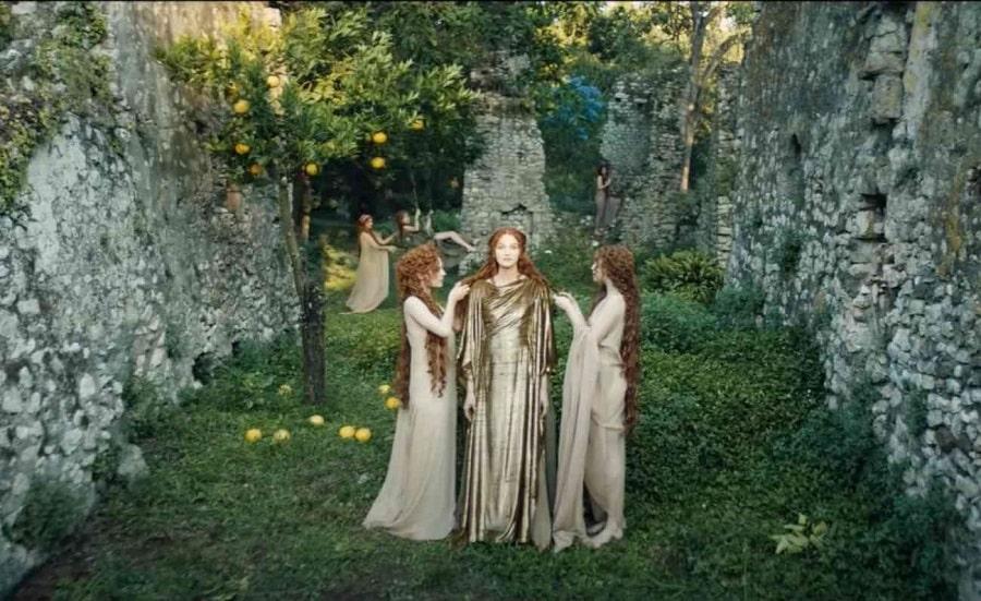 COVER-Le-Mythe-Dior-Matteo-Garrone-copia-min