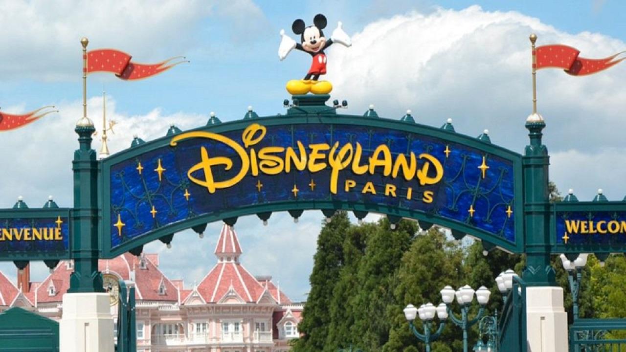Disneyland Paris rimanda la riapertura ad aprile thumbnail