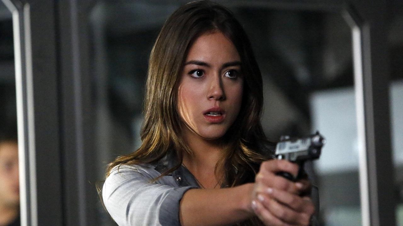 Chloe Bennet di Agents of SHIELD rivela di avere il COVID-19 thumbnail