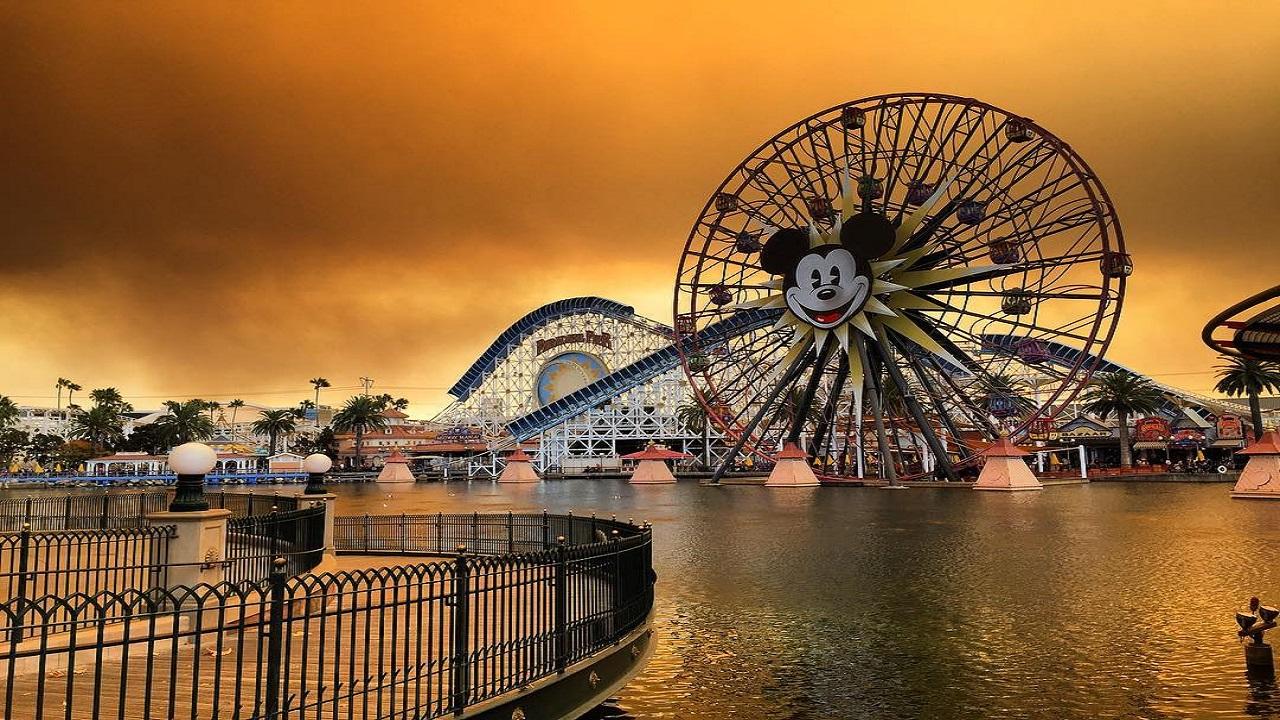Disneyland sarà un luogo per le vaccinazioni negli USA thumbnail
