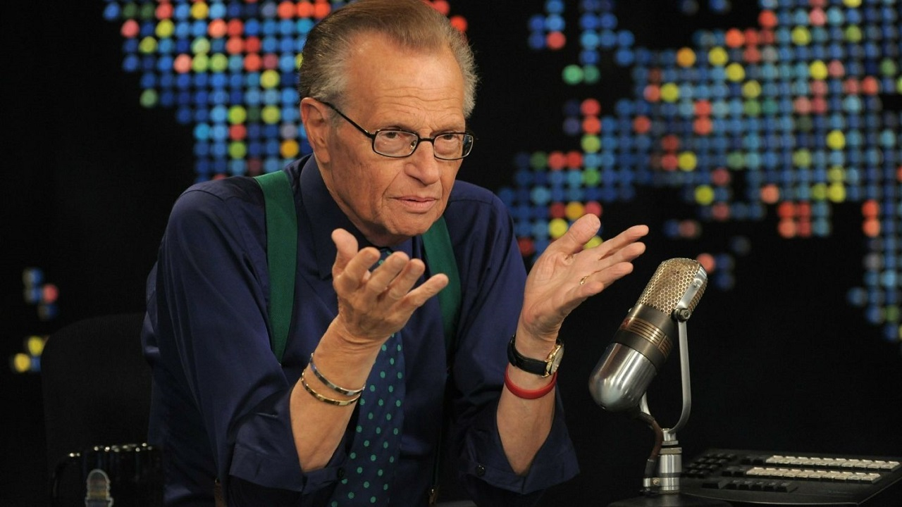 È morto Larry King, leggendario conduttore di talk show thumbnail