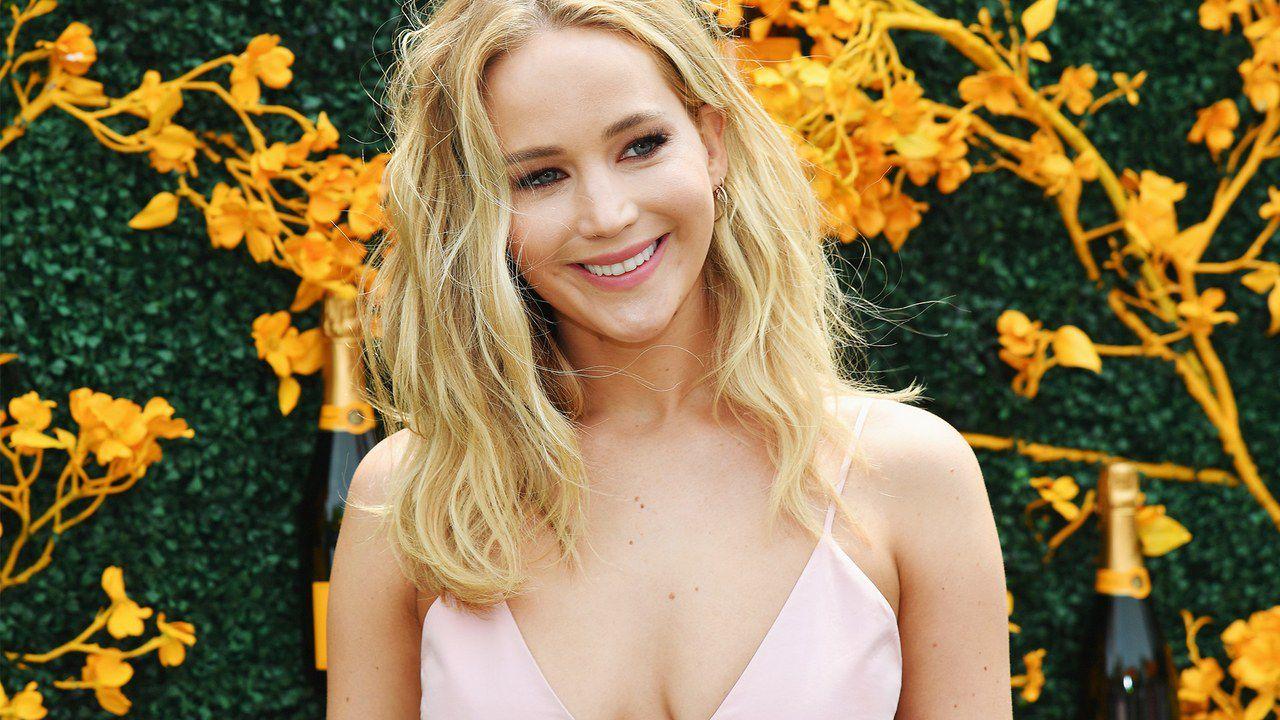 Jennifer Lawrence nel reboot dei Fantastici Quattro? Arriva la smentita thumbnail