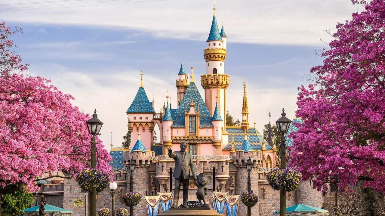 Dinsey+, in sviluppo un universo condiviso per i Parchi Disney thumbnail