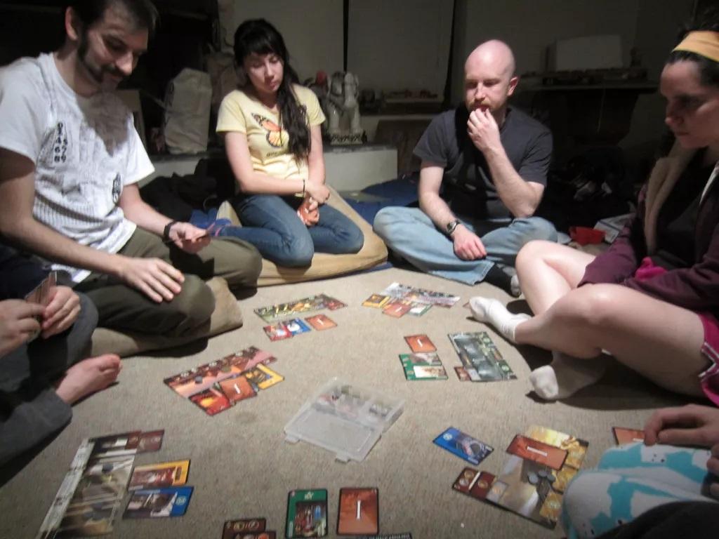Volontari in gioco: come il gioco da tavolo si applica nel sociale thumbnail