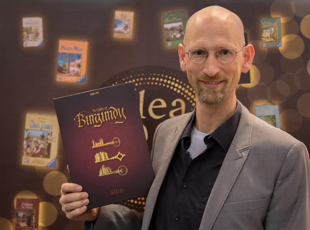 Stefan Feld: un prolifico designer di giochi da tavolo thumbnail