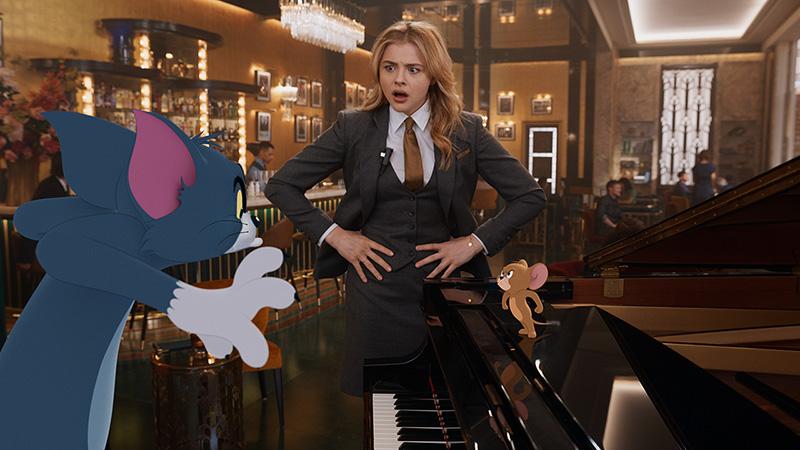 Chloe Grace Moretz come Kayla in Tom & Jerry