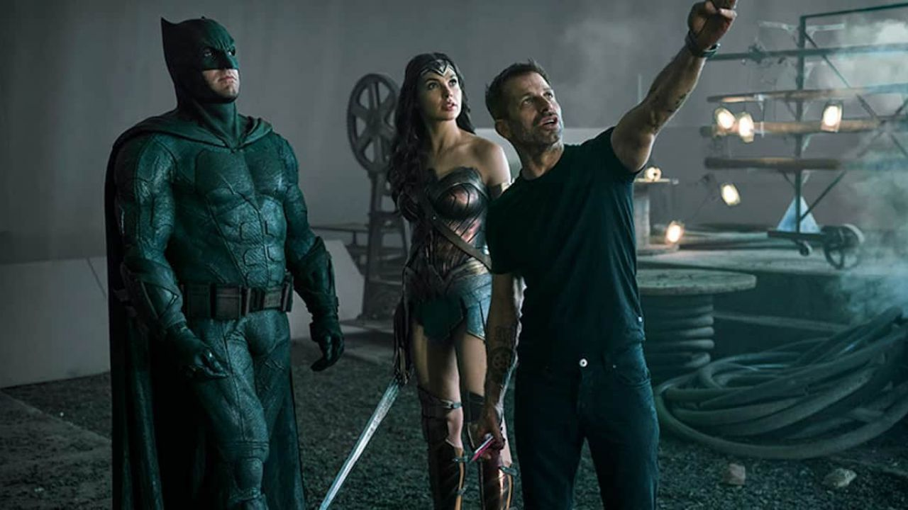 Zack Snyder parla del movimento #RestoreTheSnyderVerse thumbnail