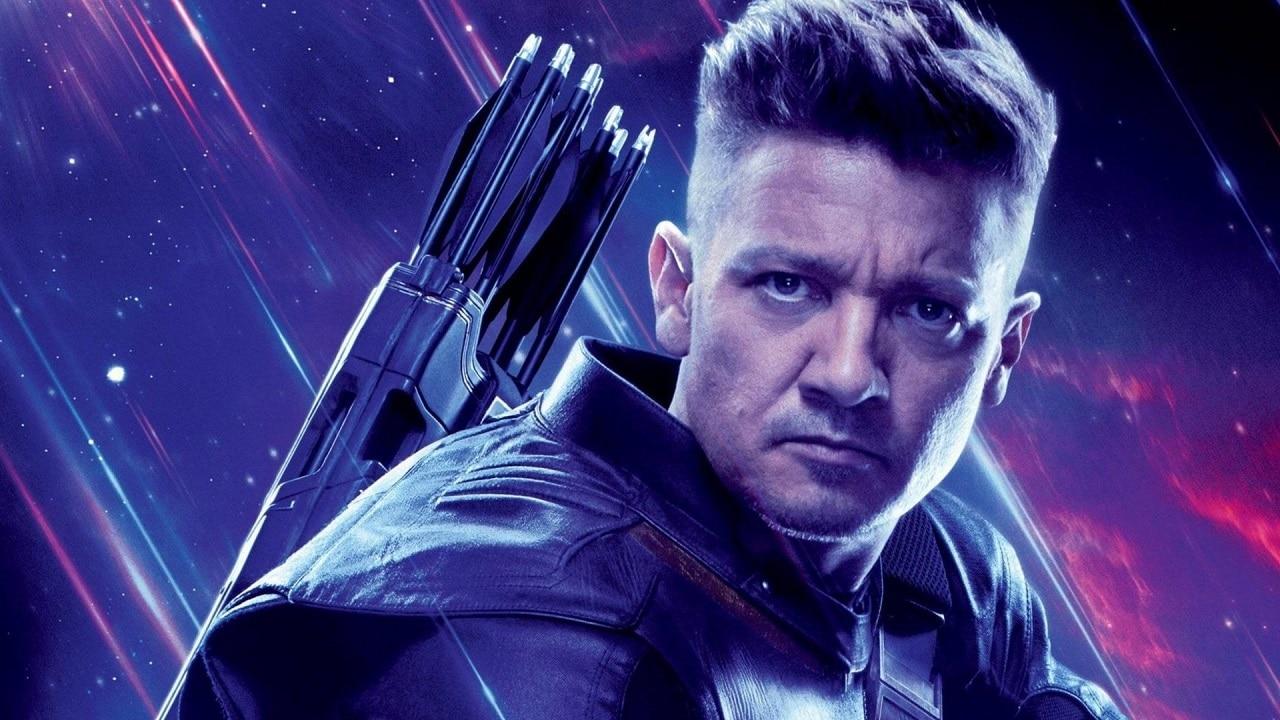 Hawkeye: svelato il costume dell'eroe nella serie Marvel thumbnail