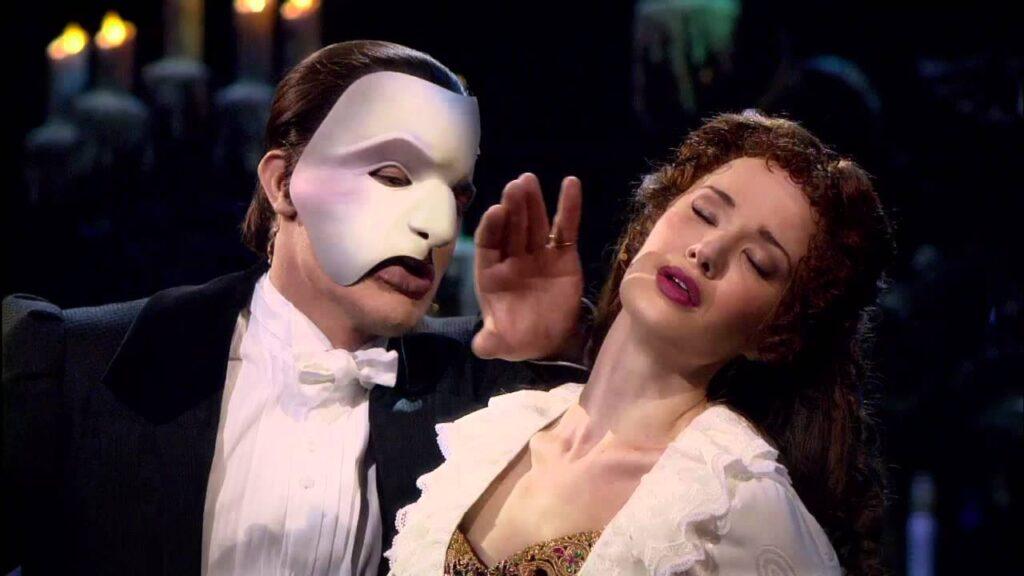 10 musical da vedere prima di in the heights il fantasma dell'opera