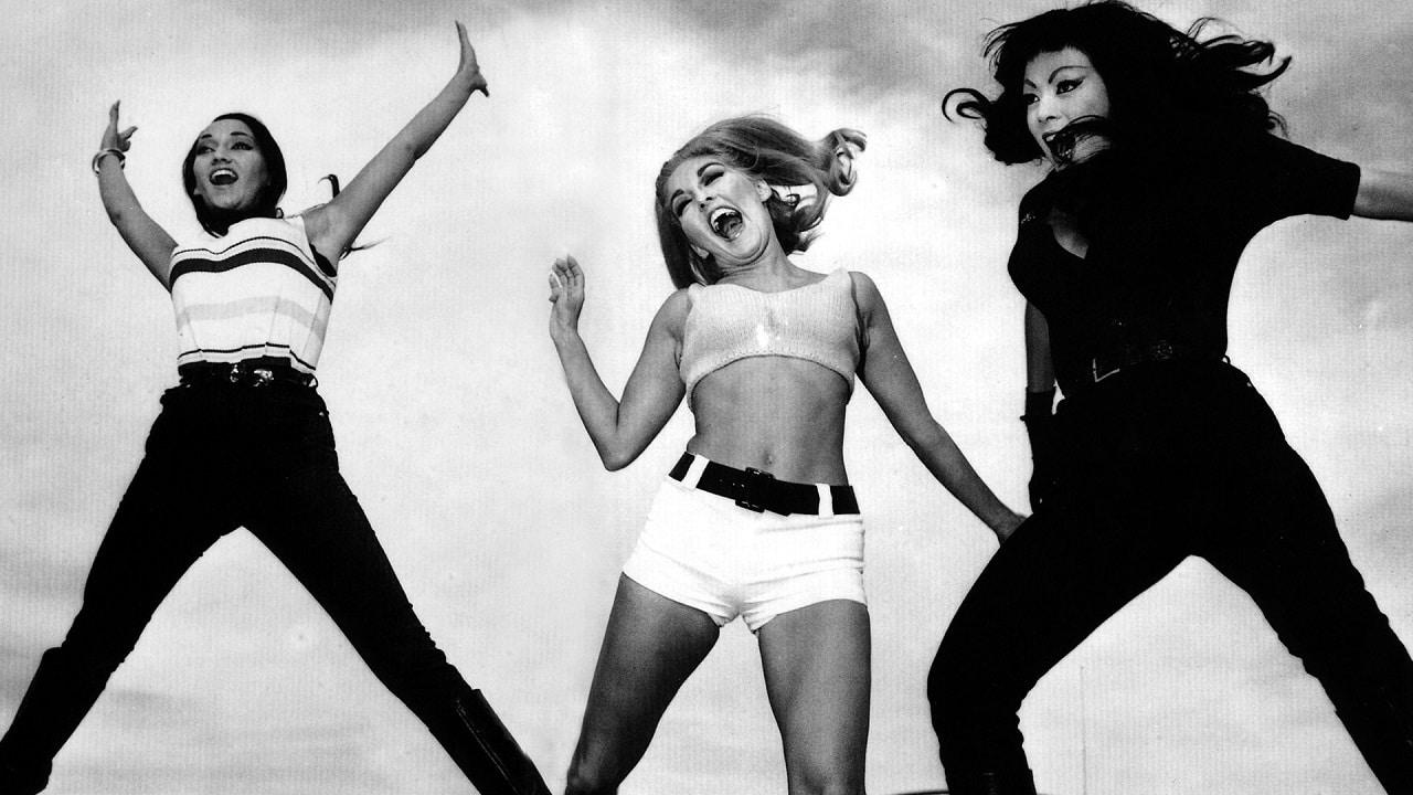 Faster, Pussycat! Kill! Kill!: Norman Reedus produrrà una serie TV remake thumbnail