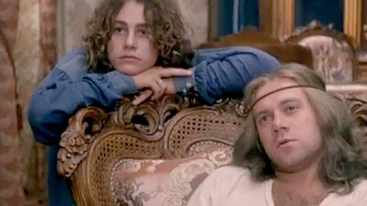 Morta Isabella De Bernardi, la ragazza hippy in Un Sacco Bello di Verdone thumbnail