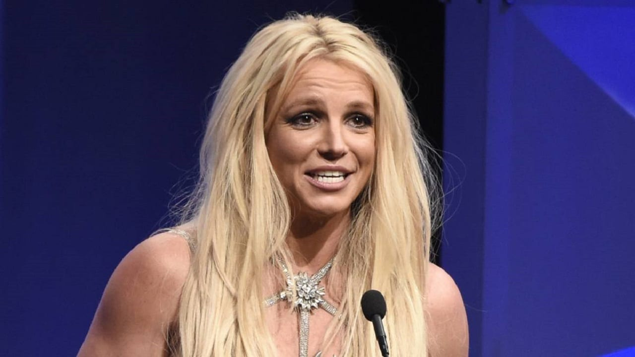 Il padre di Britney Spears rinuncia alla tutela della cantante thumbnail