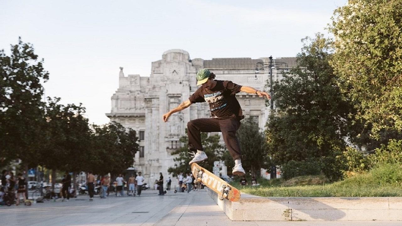 Tony Hawk: la Stazione Centrale di Milano è un grande skate park thumbnail