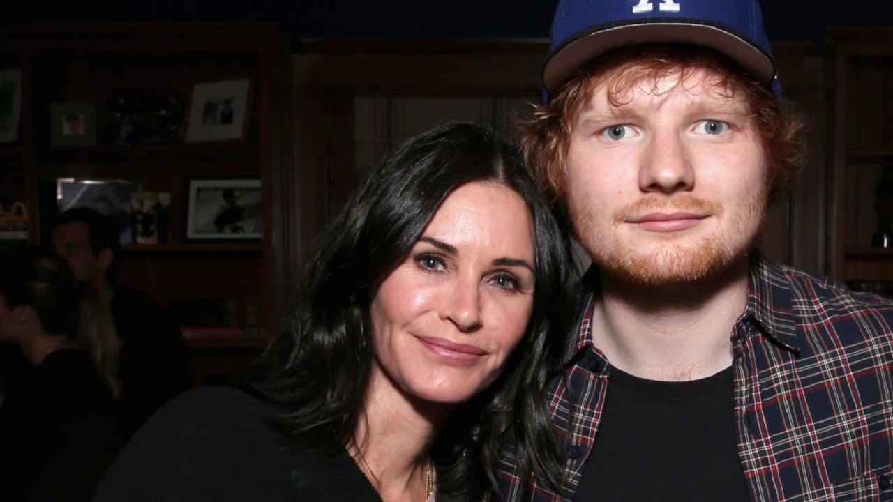 Courteney Cox ricrea una scena di Friends con Ed Sheeran thumbnail