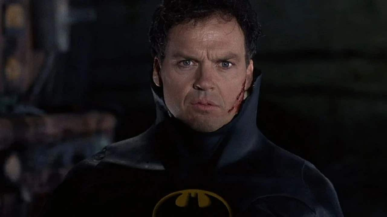 The Flash: prime foto di Michael Keaton dal set thumbnail