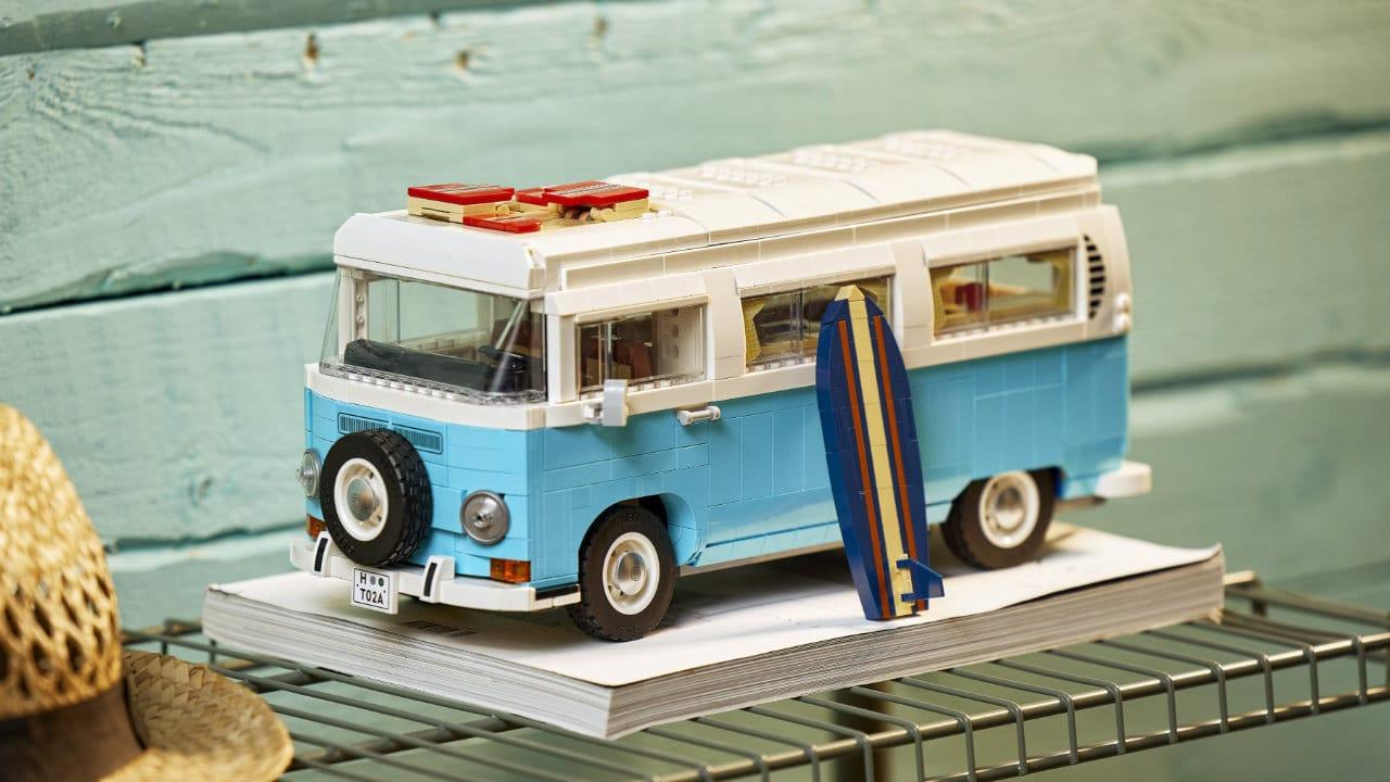 In arrivo il set LEGO del Camper van Volkswagen T2 thumbnail