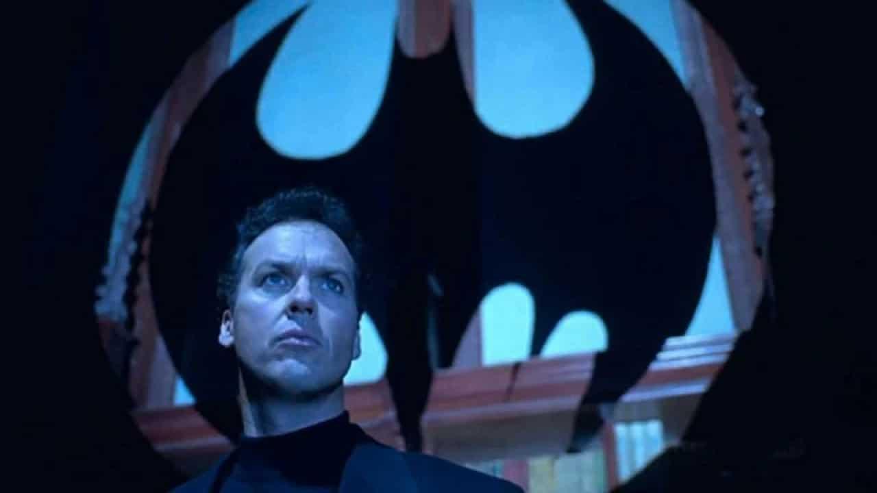 Michael Keaton rivela di non essere fan dei cinecomics e di non aver capito il multiverso thumbnail