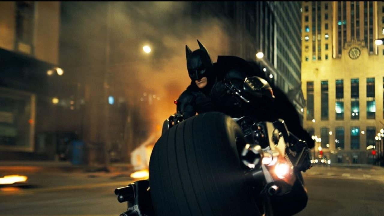 Batman diventa fattorino di Amazon thumbnail