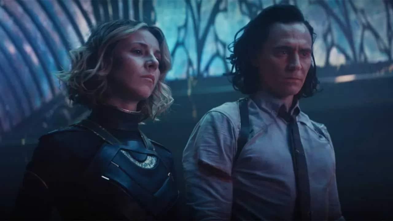 """Il creatore di Queer as Folk critica il coming out di Loki: """"Gesto ridicolo"""" thumbnail"""