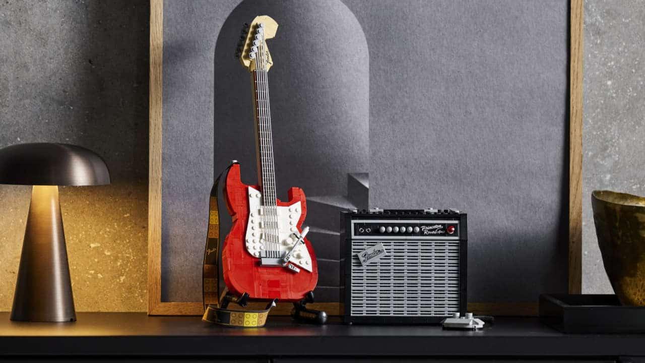 LEGO Ideas Fender Stratocaster, in arrivo il set dell'iconica chitarra thumbnail