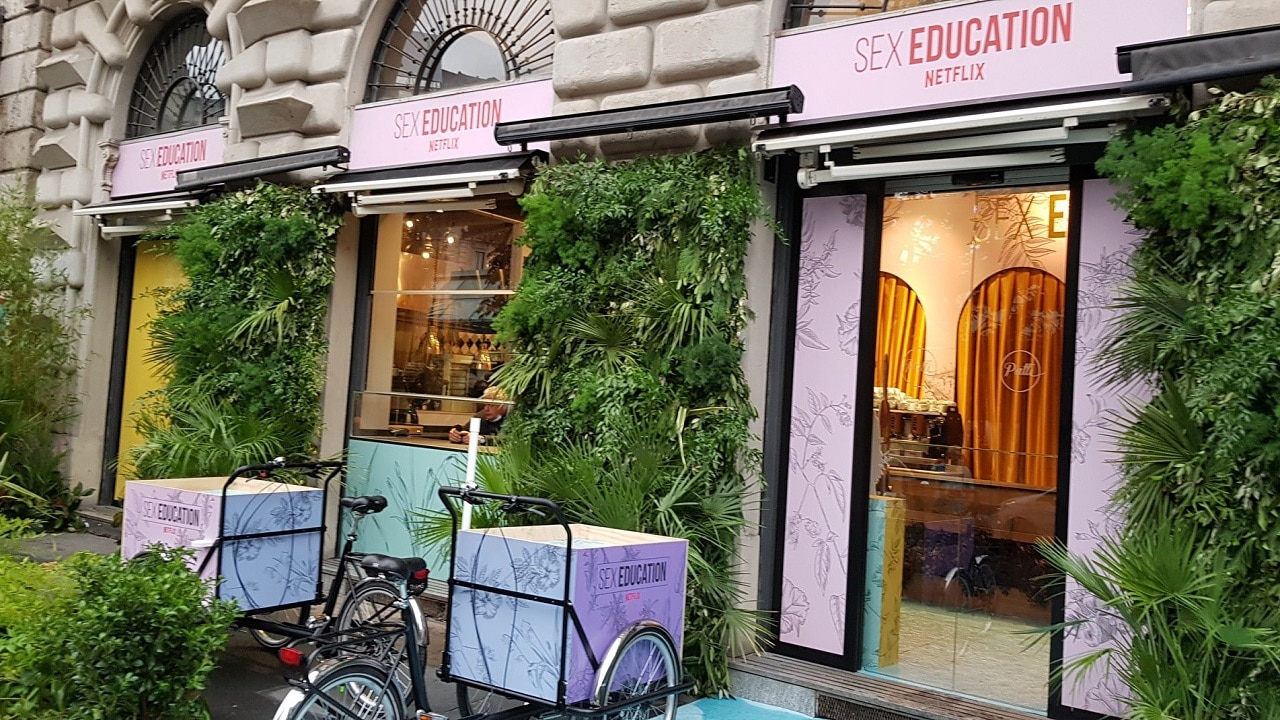 Il 17 e 18 settembre apre a Milano la Sex Education Pop UP Bakery thumbnail