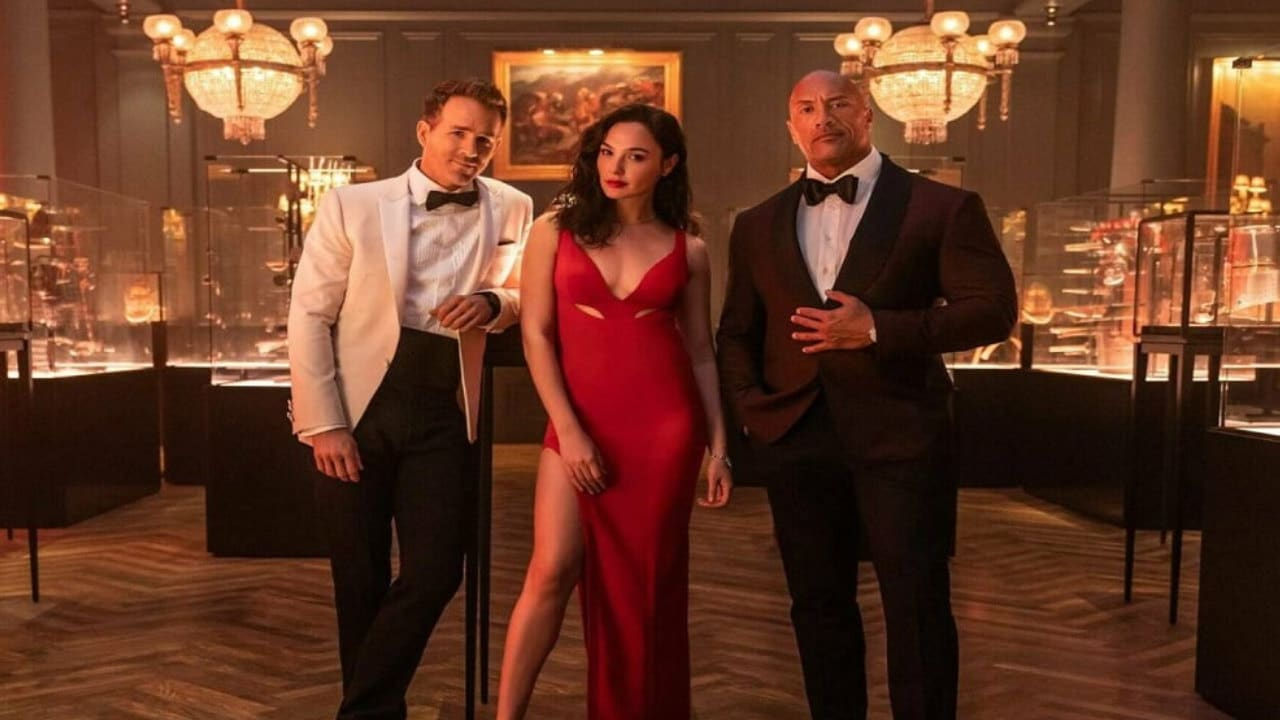 Red Notice - Il nuovo trailer del film con Gal Gadot, Dwayne Johnson e Ryan Reynolds thumbnail